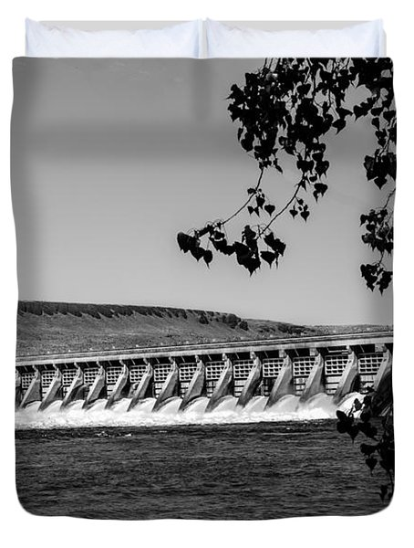 Mcnary Dam Duvet Cover by Robert Bales