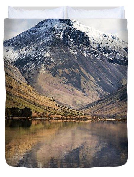 Mountains And Lake, Lake District Duvet Cover by John Short