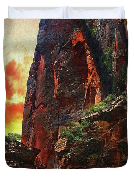 Sunrise In Canyonlands Duvet Cover