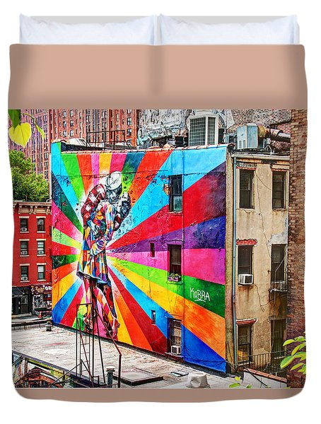 V - J Day Mural By Eduardo Kobra Duvet Cover