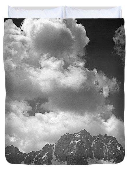 304638 Clouds Over Mt. Stuart Bw Duvet Cover