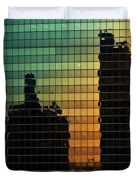 333 Wacker Reflecting Chicago Duvet Cover by Steve Gadomski