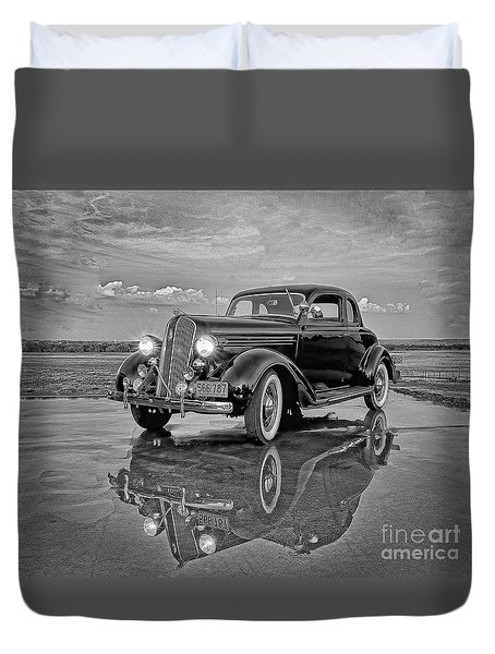 36 Plymouth Reflections Pencil Sketch Duvet Cover