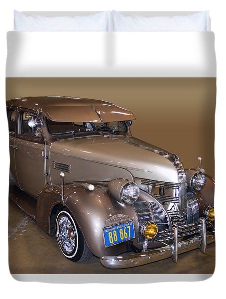39 Pontiac Dresser Duvet Cover by Bill Dutting