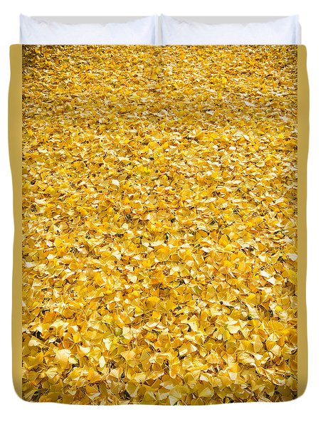 Duvet Cover featuring the photograph Autumn Leaves by Hans Engbers