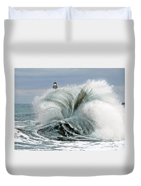 Duvet Cover featuring the photograph Roker Pier Sunderland by Morag Bates