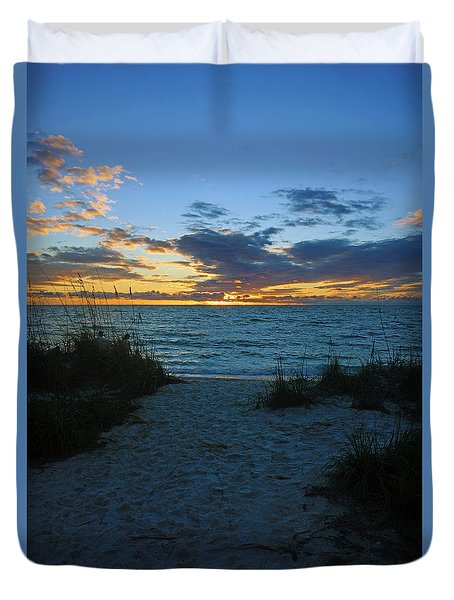 Sunset At Delnor Wiggins Pass State Park Duvet Cover