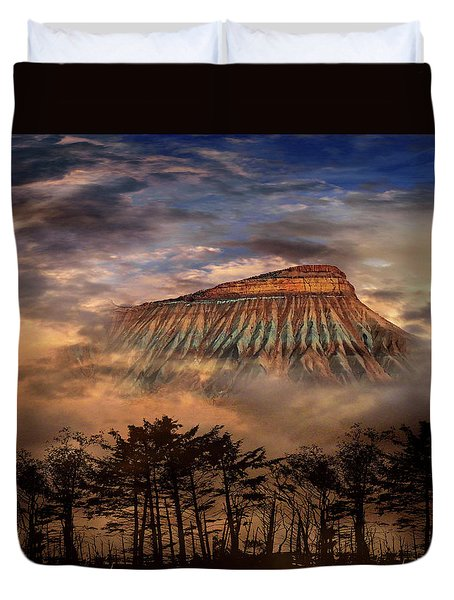 Duvet Cover featuring the photograph 4381 by Peter Holme III