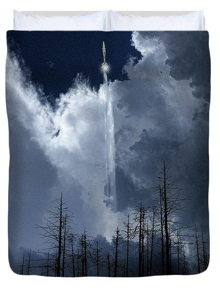 Duvet Cover featuring the photograph 4404 by Peter Holme III