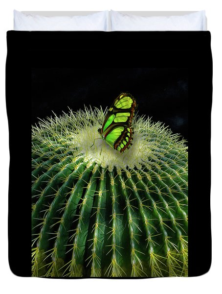 Duvet Cover featuring the photograph 4409 by Peter Holme III