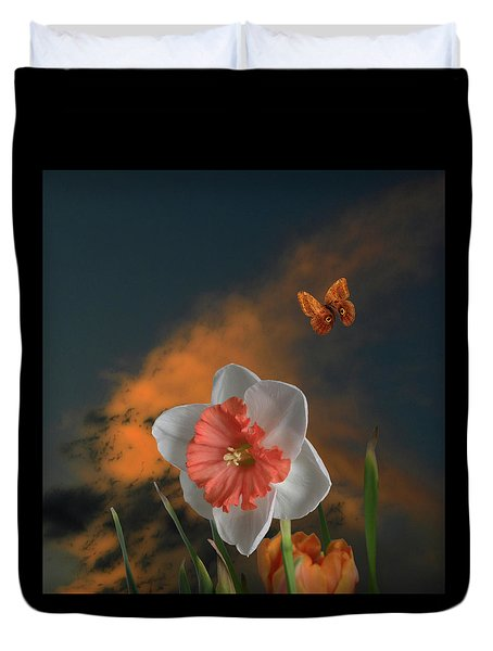 Duvet Cover featuring the photograph 4413 by Peter Holme III