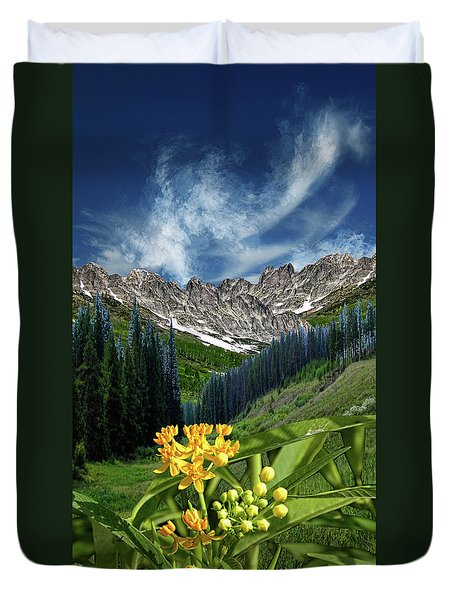 Duvet Cover featuring the photograph 4415 by Peter Holme III