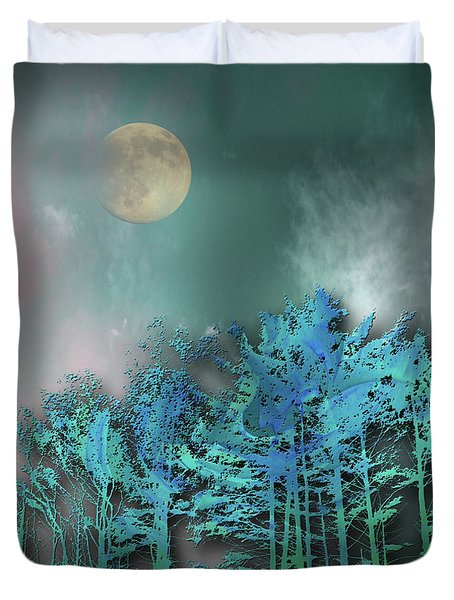Duvet Cover featuring the photograph 4480 by Peter Holme III