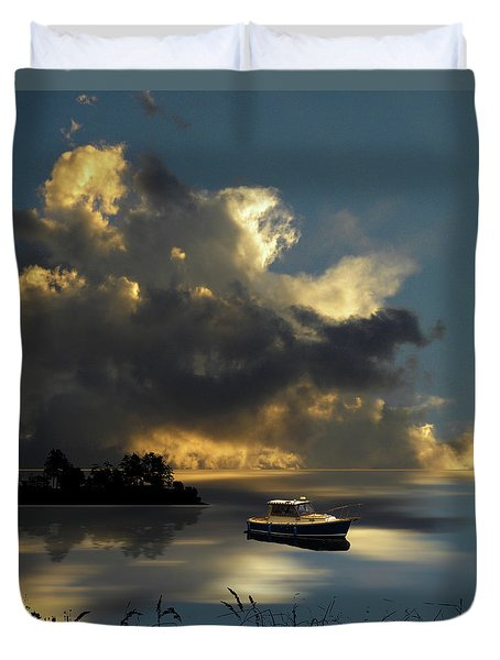 Duvet Cover featuring the photograph 4487 by Peter Holme III