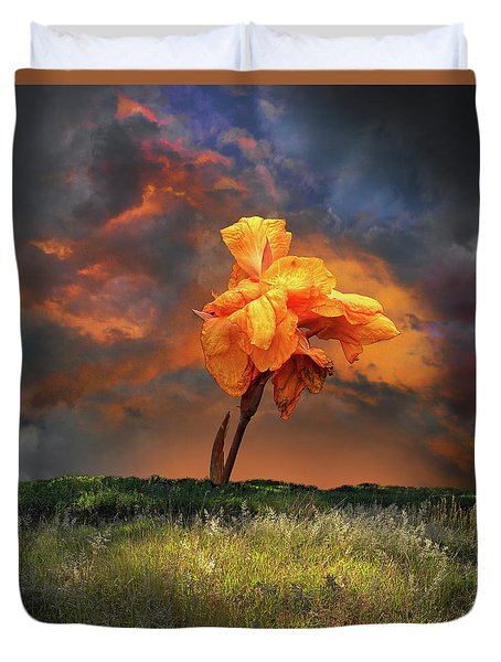 Duvet Cover featuring the photograph 4490 by Peter Holme III