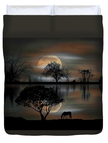 Duvet Cover featuring the photograph 4493 by Peter Holme III