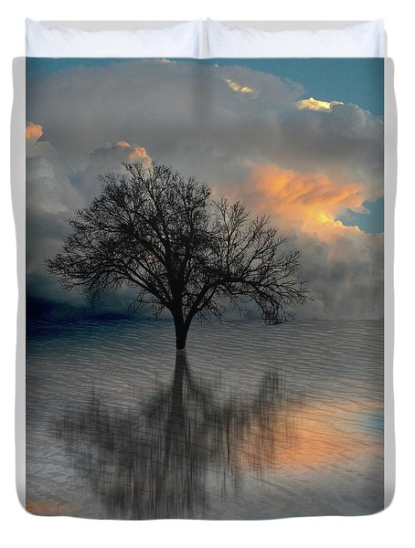 Duvet Cover featuring the photograph 4507 by Peter Holme III