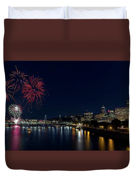 4th Of July Fireworks At Portland Waterfront 2016 Duvet Cover by David Gn