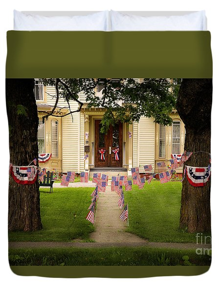 Duvet Cover featuring the photograph 4th Of July Home by Craig J Satterlee