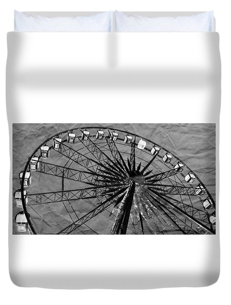 Duvet Cover featuring the photograph Ferris Wheel Impressions by Werner Lehmann