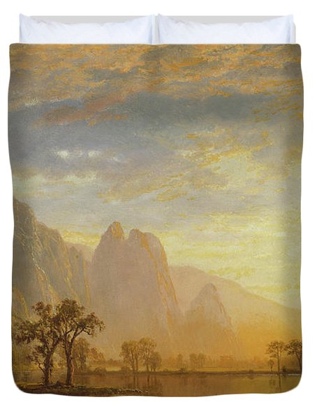Valley Of The Yosemite Duvet Cover