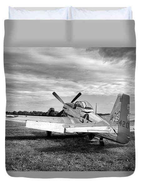 Duvet Cover featuring the photograph 51 Shades Of Grey by Peter Chilelli