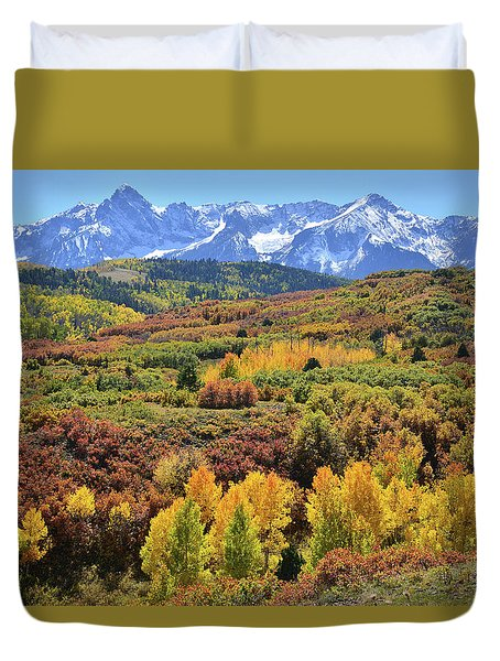 Duvet Cover featuring the photograph Dallas Divide by Ray Mathis
