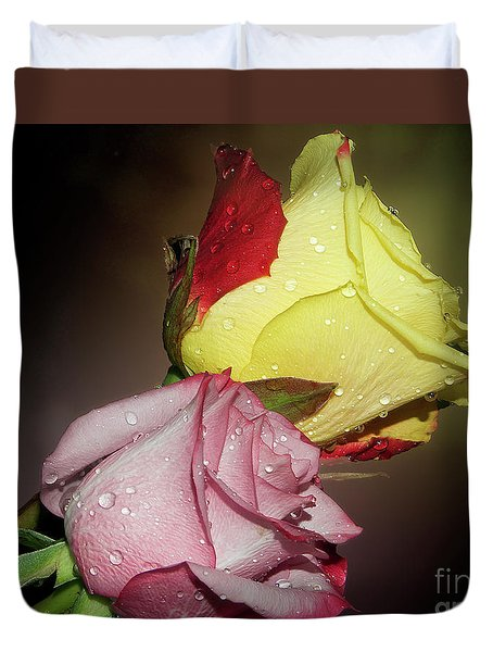 Duvet Cover featuring the photograph Roses by Elvira Ladocki
