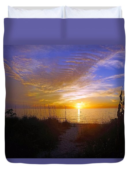 Sunset At Delnor Wiggins Pass State Park In Naples, Fl Duvet Cover