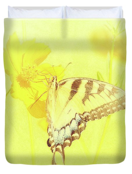 Tiger Swallowtail Butterfly On Cosmos Flower Duvet Cover