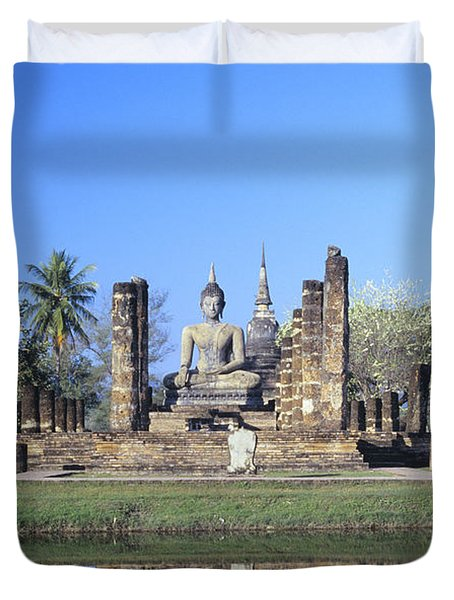 Wat Mahathat Duvet Cover by Gloria & Richard Maschmeyer - Printscapes