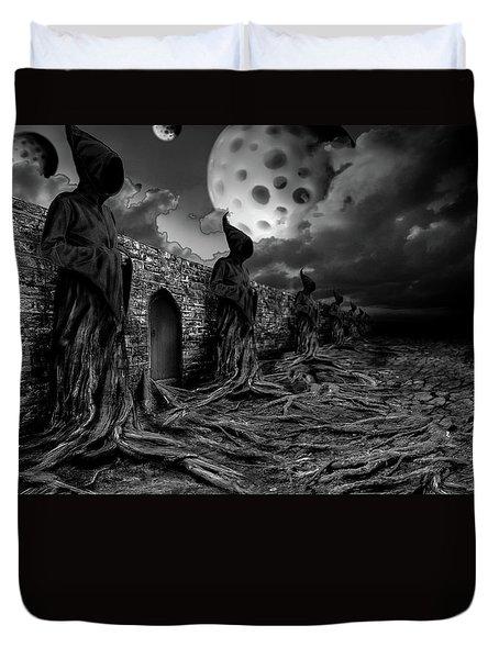 Duvet Cover featuring the photograph ... by Mariusz Zawadzki