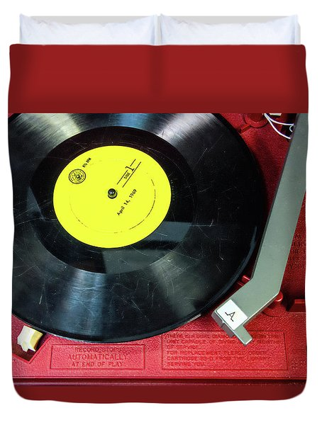 Duvet Cover featuring the photograph 8 Rpm Record Player by Gary Slawsky