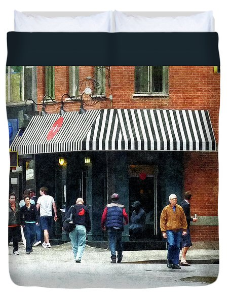 8th Ave. And W 22nd Street Chelsea Duvet Cover by Susan Savad