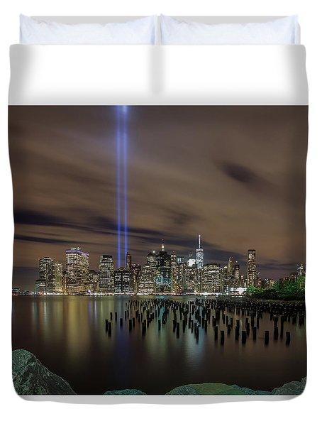 9/11 Tribute Lights 2016 Duvet Cover