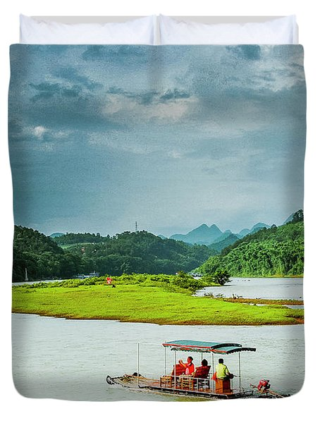 Lijiang River Scenery Duvet Cover