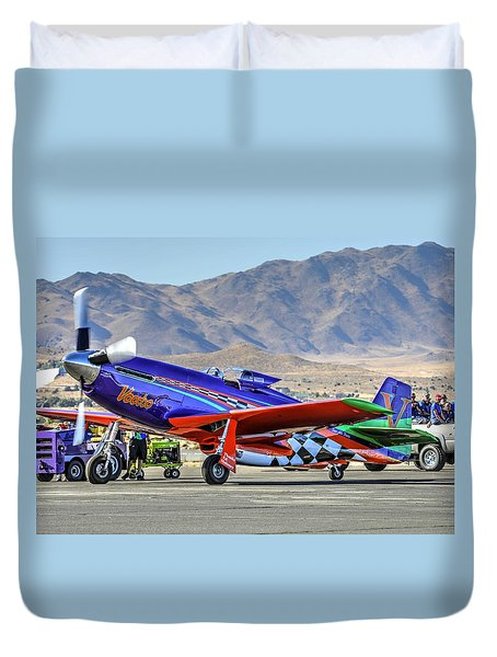Duvet Cover featuring the photograph A Closer Look At Voodoo Engine Start Sundays Unlimited Gold Race by John King