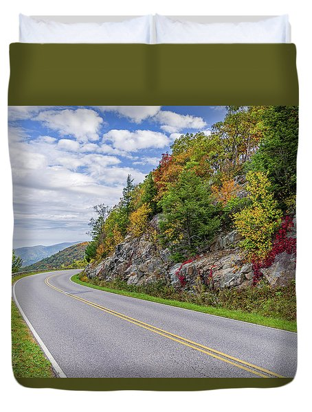 Duvet Cover featuring the photograph A Colorful Curve On Skyline Drive by Lori Coleman