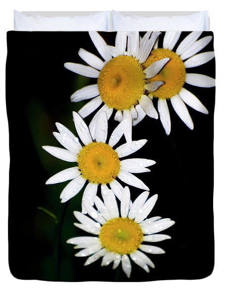 Duvet Cover featuring the digital art A Group Of Wild Daisies by Chris Flees