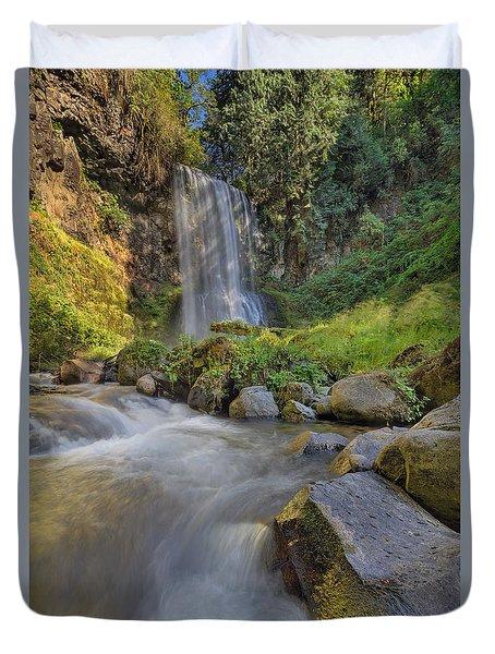 A Hot Sunny Day At Upper Bridal Veil Falls Duvet Cover by David Gn