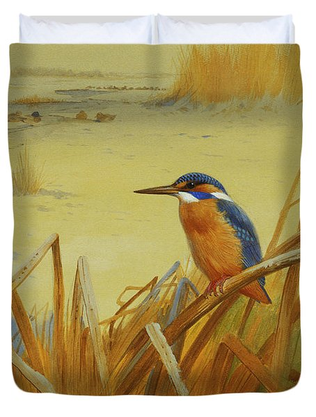 A Kingfisher Amongst Reeds In Winter Duvet Cover
