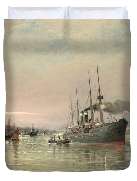 A Liner And Other Shipping Before The Statue Of Liberty Duvet Cover by Pieter Christiaan Cornelis Dommelshuizen