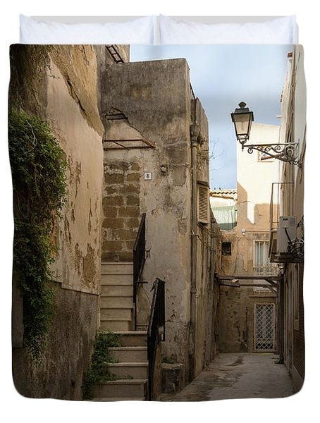 A Marble Staircase To Nowhere - Tiny Italian Lane In Syracuse Sicily Duvet Cover