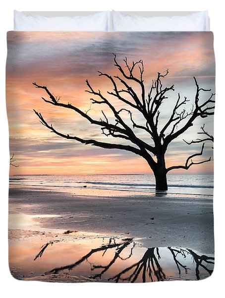 A Moment Of Reflection - Charleston's Botany Bay Boneyard Beach Duvet Cover