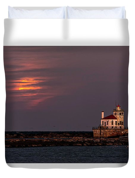 Duvet Cover featuring the photograph A Moonsetting Sunrise by Everet Regal
