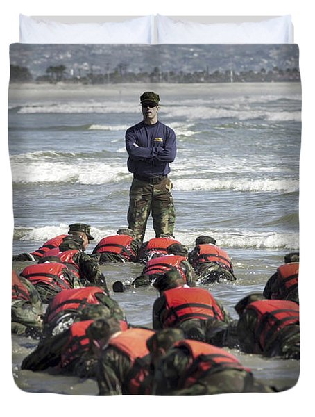A Navy Seal Instructor Assists Students Duvet Cover by Stocktrek Images