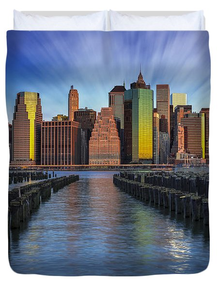 A New York City Day Begins Duvet Cover by Susan Candelario