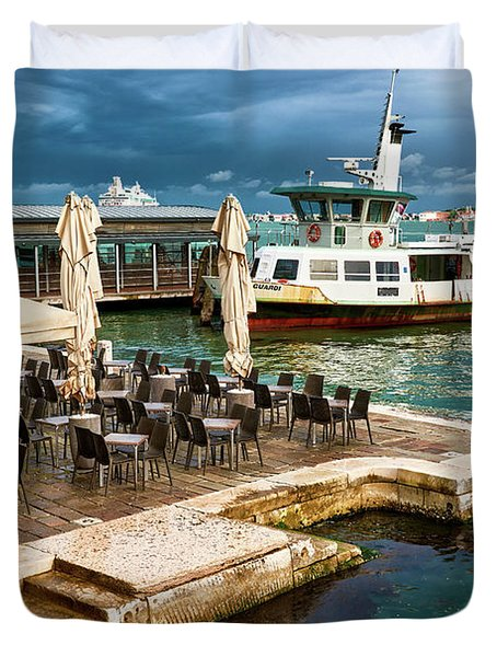 A Nice Place To Eat In Venice Duvet Cover