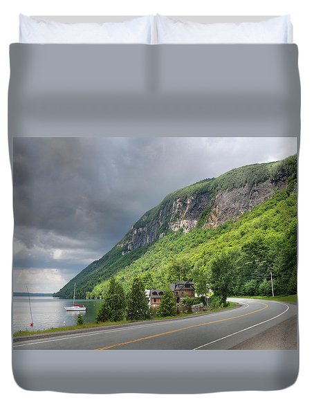 A Passing Cloud At Lake Willoughby In Westmore Vermont Duvet Cover