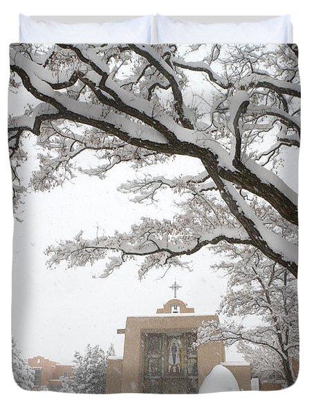 A Peaceful Winter Scene Duvet Cover